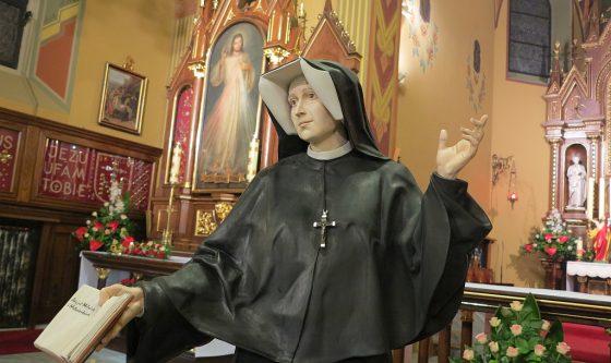 Swieta Siostra Faustyna - rzezba