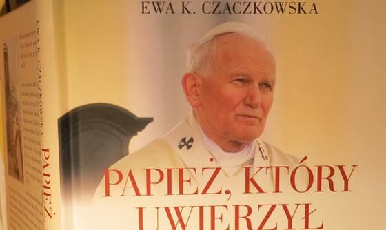 Papiez ktory uwierzyl